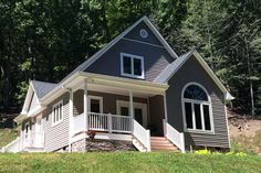 Discover the Costello Cottage Home that has 2 bedrooms and 2 full baths from House Plans and More. See amenities for Plan House Plans And More, Small House Plans, House Floor Plans, Cottage Style House Plans, Cottage Homes, Building Costs, Building A House, Plan Chalet, Drummond House Plans