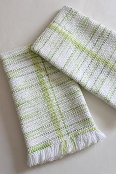 Lily Sugar'n Cream, white and lime stripes for warp, key lime pie for weft.