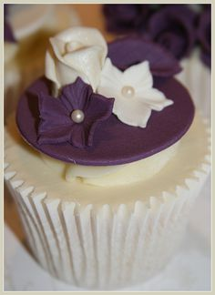 Wedding Show Cupcakes by The Clever Little Cupcake Company (Amanda), via Flickr