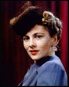 Image - Joan FONTAINE - HOLLYWOOD in Kodachrome / Cibachrome / Ektachrome - Skyrock.com
