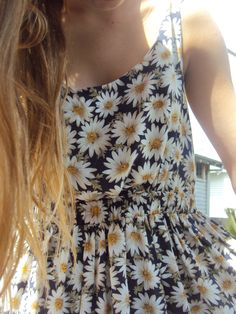 a daisy sundress is exactly what I want