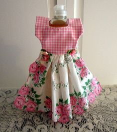 Dress Fashion Summer 2018 plus Nigerian Fashion Dress 2018 Plus Size Maxi Dresses, Ivory Dresses, Diy Sewing Projects, Sewing Crafts, Nigerian Dress Styles, Nigerian Fashion, Old Bras, Towel Dress, Towel Crafts