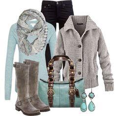 Color menta en saco y bolso  precioso para un día de invierno