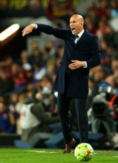 Zinedine Zidane - Barcelona vs Real Madrid