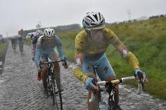 Tour de France 2014. 5^Tappa, 9 luglio. Ypres > Arenberg (Porte du Hainaut). Vincenzo Nibali (1984) scatenato, all'attacco in maglia gialla