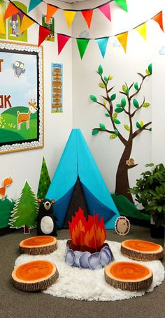 Woodland Friends Classroom reading corner camping set up Preschool Classroom Setup, Reading Corner Classroom, Classroom Setting, Classroom Design, Classroom Displays, Art Classroom, Classroom Themes, Kindergarten Reading Corner, Reading Corner Kids