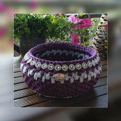 Crochet, Decorative Bowls, Artisan, Home Decor, Coin Purses, Handkerchief Dress, Purse, Decoration Home, Room Decor