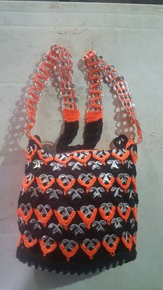 Pop Tab Crafts, Diy And Crafts, Pop Tab Purse, Soda Can Tabs, Crochet Purses, Stuff To Buy, Pop Tabs, Crochet Pouch, Pop Cans