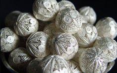 Joyería Peruana Silver Filigree, Silver Beads, Antique Silver, Metal Jewelry, Jewelery, Silver Jewelry, Trendy Jewelry, Fashion Jewelry, Renaissance Jewelry