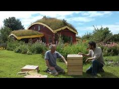 Rosehive Beekeeping Method youtube video:  http://www.youtube.com/watch?v=dMcBiCcuC8w