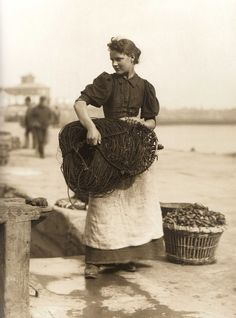 Fetching in the Lines - Lizzie Alice Hawksfield - Whitby - North Yorkshire - England - Late 1800s