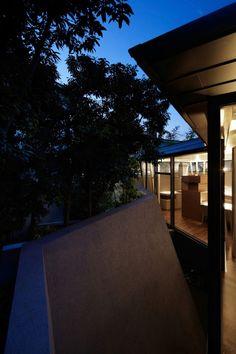 ARTechnic Architects Design A Modern Geometric Home (24)