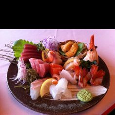 Supreme sashimi platter