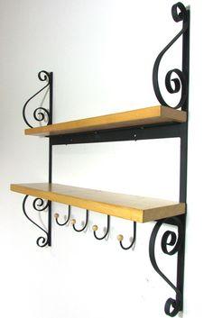 Prateleira colonial dupla Glamour Decor, Rustic Shelves, Wall Shelves, Wood Clothing Rack, Kitchen Furniture, Furniture Design, Iron Decor, Decorating On A Budget, Little Houses