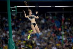 Eliza McCartney Photos Photos - Eliza Mccartney of New Zealand competes in the…