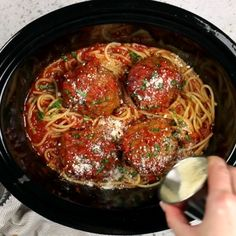 Slow Cooker Meatballs As easy as these Giant Slow Cooker Meatballs are a fun, easy, and effortless answer to weeknight dinner. As easy as these Giant Slow Cooker Meatballs are a fun, easy, and effortless answer to weeknight dinner. Crockpot Dishes, Crock Pot Slow Cooker, Crock Pot Cooking, Slow Cooker Recipes, Meat Recipes, Crockpot Recipes, Dinner Recipes, Cooking Recipes, Healthy Recipes