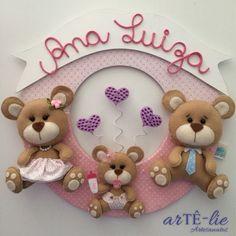 """Enfeite porta maternidade. Tema """"Família Urso"""". Seja bem-vinda Ana Luiza! #feltro #felt #mdf #maternidade #ursos"""
