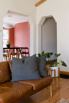 A Fashion Brand Owner's California Cool Bungalow