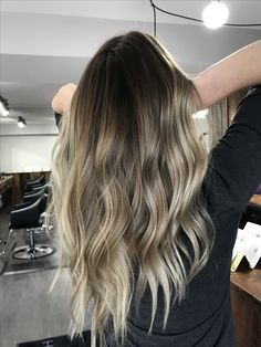 Cool toned summer celebrity inspired balayage sombre ombre h Dark Blonde Hair Color, Blond Ombre, Cool Blonde, Hair Color And Cut, Amanda Bynes, Balayage Highlights, Blonde Balayage, Jessie James Decker Hair, Wedding Hair Colors