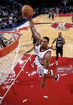 I Love Basketball, Basketball Pictures, College Basketball, Nba Players, Basketball Players, Michael Jordan, Basketball Highlights, Scottie Pippen, Nba Wallpapers