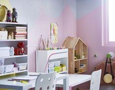 Aranżacje wnętrz - Pokój dziecka: Pokój dziecka IKEA - Średni pokój dziecka dla dziewczynki dla malucha - IKEA. Przeglądaj, dodawaj i zapisuj najlepsze zdjęcia, pomysły i inspiracje designerskie. W bazie mamy już prawie milion fotografii!