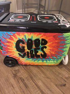 DIY good vibes tie-dye and DJ turntable cooler Fraternity Coolers, Frat Coolers, Fraternity Formal, Nola Cooler, Beach Cooler, Diy Cooler, I Cool, Looks Cool, Bubba Keg