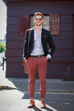 """The 14 Most Dapper Single Men In London (Go Ahead, Call 'Em!) #refinery29  http://www.refinery29.com/2013/07/49698/london-men#slide-6  Name: GeorgeAge: 21Occupation: Mobile product designerHometown: LondonNeighbourhood: KnightsbridgeSocial Media: georgegliddonSexual Preference: StraightDo you believe in paying on the first date? """"I think the guy should pick up the bill. I guess it's traditional to do so. However, if she feels like contributing I'll never say no to a few drinks after!""""What…"""