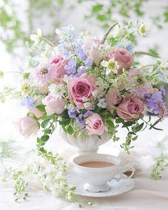 Flowers For Algernon, Wedding Decorations, Table Decorations, Flower Tea, Flower Wallpaper, Pretty Flowers, High Tea, Tea Time, Floral Arrangements