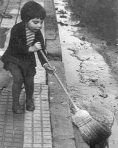 """""""Mi fotografía es verdaderamente un diario íntimo visual [...] Es un modo de proyectar aquellas cosas que fui encontrando"""", expresó Kertész en una entrevista en la década de 1970. Foto: Sandra Polverini, Buenos Aires, 1962. Archivo familia Kertész"""