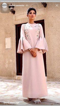 Hijab Style Dress, Dress Outfits, Fashion Outfits, Mode Abaya, Nice Dresses, Dresses With Sleeves, Arab Fashion, Caftan Dress, Traditional Fashion