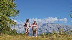#Wanderungen in der Wanderregion #Wagrain sind der perfekte Ausklang zum stressigen Alttag Nordic Walking, Mountains, Couple Photos, Couples, Nature, Travel, Mountain Climbing, Bicycling, Explore
