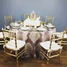 Our new Johanna linen was a star in our Spring lookbook! Here is a quick look at this Mauve most fabric! Click over to our Facebook to see more #tablelinen #eventdecor #weddings #linenhero