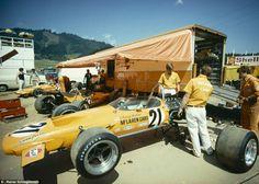 Austrian GP, Osterreichring 1970. Denny Hulme and Peter Gethin, McLaren M14A Ford (Rainer Schlegelmilch)...
