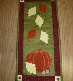 Country Woman Crafts | Idea Gallery | Appliqu�d Fall Wall Hanging � Country Woman Magazine