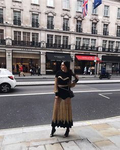 "2,374 Likes, 53 Comments - @dialamakki on Instagram: ""I just got to London Town ! Big news today 😬🤗 #dialamakkiinlondon لقد وصلت إلى لندن للكشف عن أخبار…"""