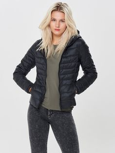 1c60fb5a Quilted jacket with hood | Elastic string at hood | Zipper at front | 2  front