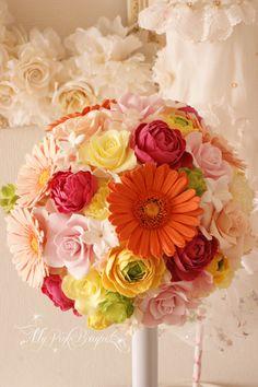 044//ドレスのオレンジに合わせたカラフルなブーケ。イメージは明るく、可愛い感じ、とのオーダーでお作りしたブーケです。