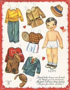 """dans toutes mes recherches, je n'ai trouvé que peu de paper dolls représentant des petits garçons, ce qui est dommage lorsqu'on souhaite utiliser les vêtements façon """"poppets"""" (voir les notes précédentes sur ce sujet)... en voici un adorable exemple..."""