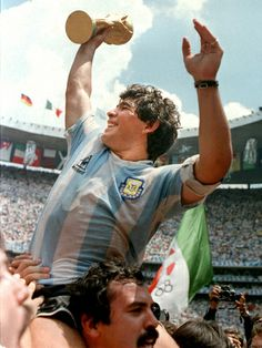 Diego Maradona has said that although Lionel Messi is a 'great lad', he does not come close to his World Cup-winning compatriot when it comes to playing the beautiful game. Football Is Life, World Football, Football Soccer, Football Shirts, Good Soccer Players, Football Players, Mexico 86, Diego Armando, Fifa