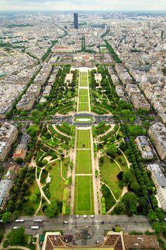 Parc du Champ de Mars in Paris, Île-de-France This is where the Eiffel Tower is Paris Travel, France Travel, Parcs Paris, Places To Travel, Places To See, Parks, City Layout, Best Vacation Destinations, Belle Villa