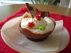 Mousse de Chocolate. La base está hecha con chocolate semiamargo y el relleno con un crema de chocolate blanco. Un explosión de chocolate! :D