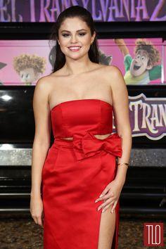Selena-Gomez-Hotel-Transylvania-2-Photocall-Red-Carpet-Fashion-Katie-Ermilio-Tom-Lorenzo-Site-TLO-1.jpg (1000×1500)
