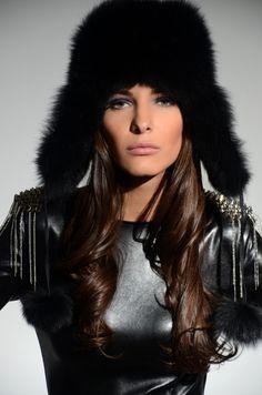 http://danielafrincu.ro/portofoliu/machiaj-fashion/  Make-up Artist - Daniela Frincu  http://danielafrincu.ro/