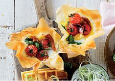 Eggy phyllo tarts - MyKitchen Creamed Spinach, Baby Spinach, Tomato Vine, Ham And Eggs, Creme Fraiche, Cheddar Cheese, Brunch Recipes, Cooking Time, Sour Cream