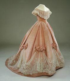 Historical fashion and costume design. 1800s Fashion, 19th Century Fashion, Vintage Fashion, Victorian Era Fashion, 18th Century, Fashion Fashion, Fashion Dresses, French Fashion, Gothic Fashion