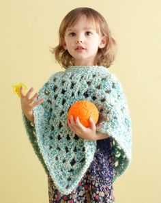 Baby Poncho: free easy peasy pattern