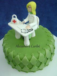 Bolo médica - doctor cake by Alexandra Bolos Artísticos, via Flickr