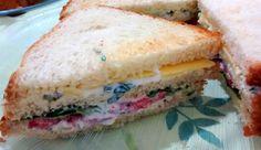 Mundo Vegetariano da Rosana: Sanduíche com Pão de Forma