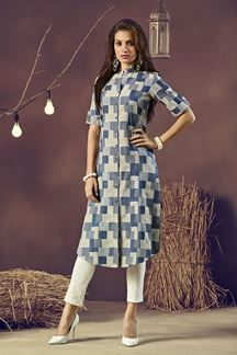 Make a style statement wearing this checkered blue & cream designer kurti falling simple in a front seam forming a slit, front done up in buttons for show! Simple Kurti Designs, Kurta Designs Women, Kurti Neck Designs, Cotton Saree Blouse Designs, Fancy Kurti, Indian Fashion Trends, Formal Wear Women, Kurti Patterns, Mode Hijab