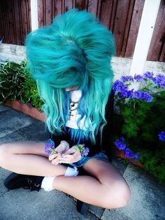 Love this colour so much and I would like it if u commented if you find a good place to get this colour done plz